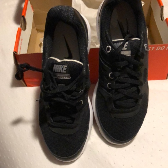d1a872f27727 Nike lunarlon Boys Nike shoes
